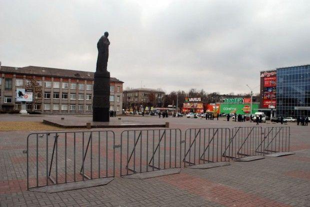 днепродзержинск дзержинский памятник / sobitie.com.ua