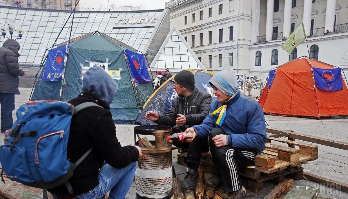 Майдан, палатки / Фото УНИАН