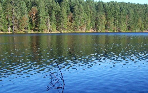 Озеро Энос / debbiestravelblog.com