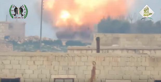 Противотанковая ракета попала в российский танк в Сирии / Скриншот видео