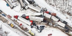 Fatal pileup shuts Pennsylvania Interstate
