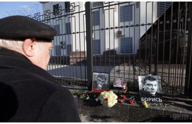 Путин, несомненно, относится к тем, кто стоял за спинами убийц Немцова и кто потом прикрывал их, - Ходорковский