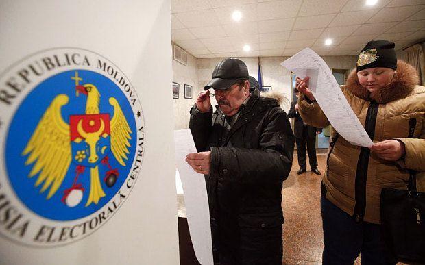 Избирательный участок в Молдове, иллюстрация / REUTERS