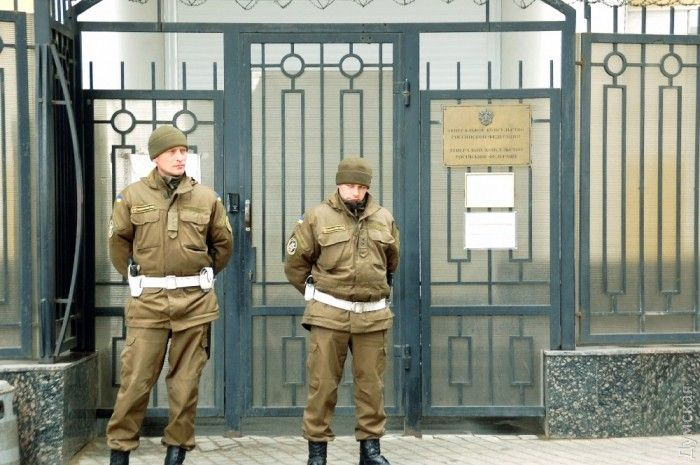 Правоохранителям пришлось применить слезоточивый газ для устранения возможных беспорядков / dumskaya.net
