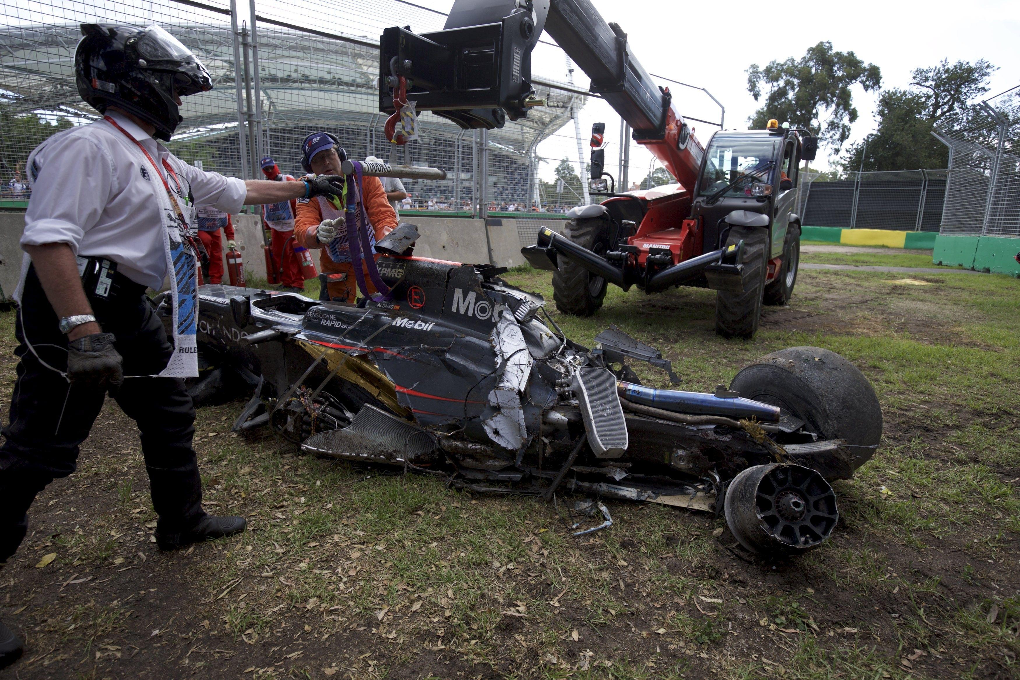 Авария Фернандо Алонсо / Reuters