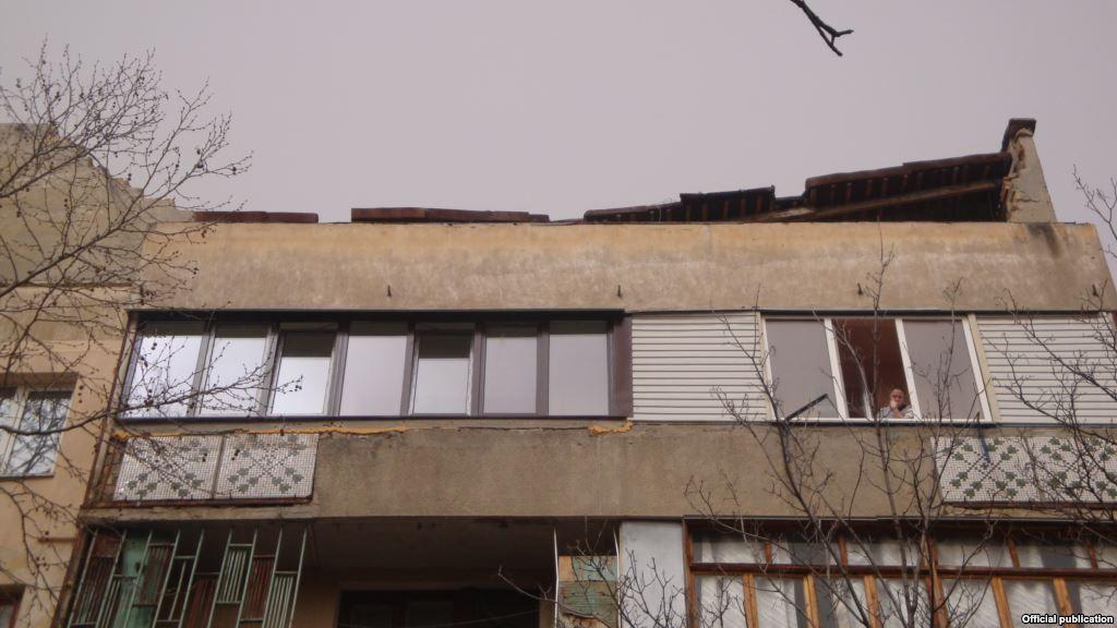 Обрушилась крыша  / ru.krymr.com