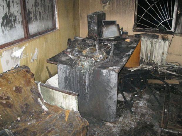 У Конотопі невідомі підпалили місцеву телестудію / фото Нацполіція