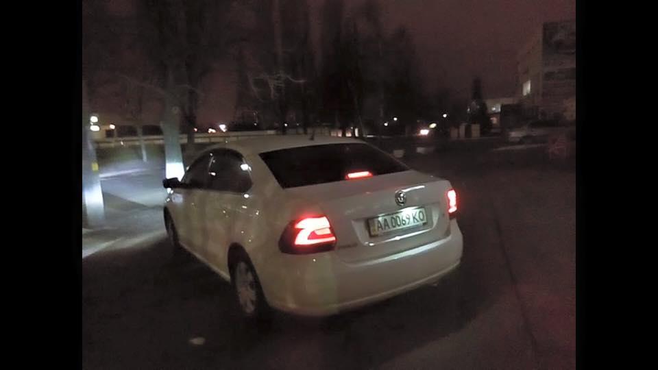 Одну из машин слежки удалось заблокировать / facebook.com/dubinskyi