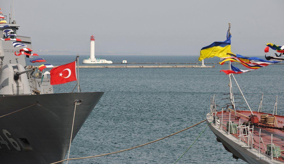 Украинские и турецкие корабли провели совместные маневры / фото УНИАН