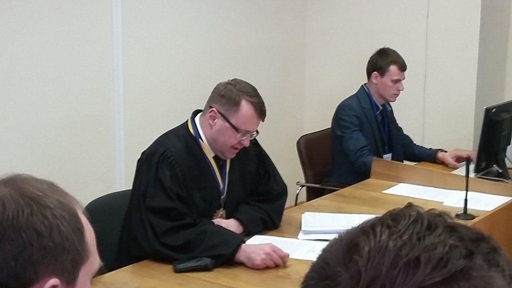 Головуючий суддя Білоцерковець / фото Twitter Levko Stek