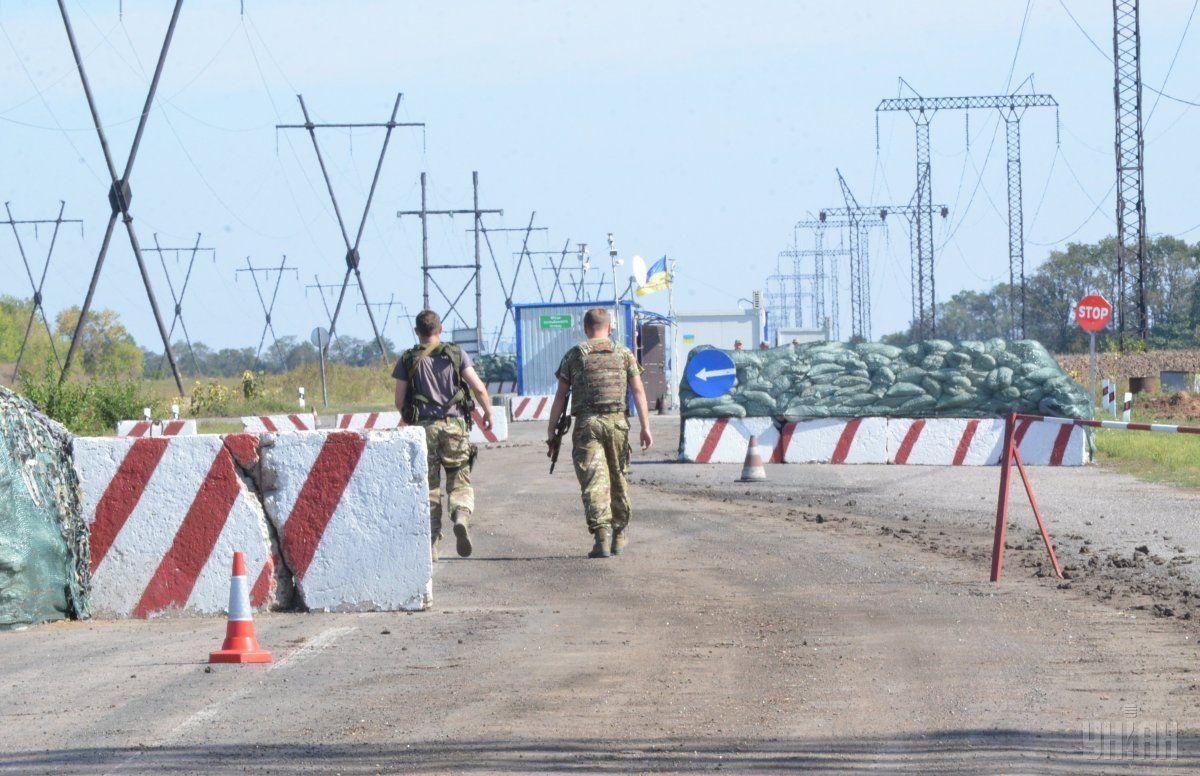 На блокпосту в зоне АТО застрелен мужчина при попытке завладеть оружием военного