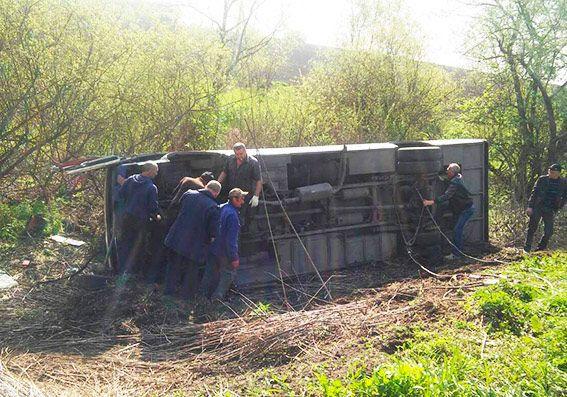 У Хмельницький області перекинувся рейсовий автобус / hm.npu.gov.ua