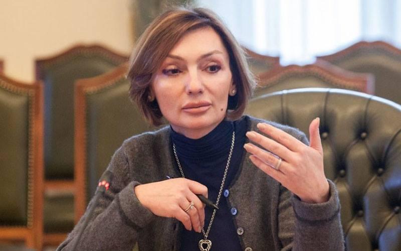 У будинку Рожкової проводять обшук / Фото facebook.com