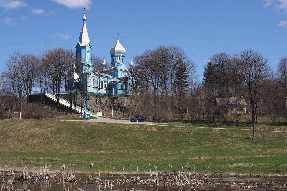 Зі Свято-Миколаївської церкви вкрали дві цінні ікони / Фото: ishchuk.net
