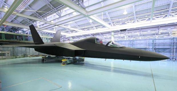 Японія успішно випробувала перший літак-невидимку
