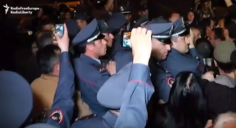 Активісти вимагають припинити продаж російської зброї Азербайджану / Кадр з відео Радіо Свобода