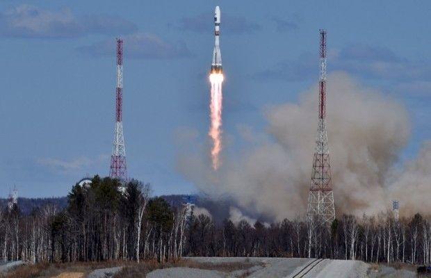 Со скрипом и гундяевскими молитвами: С российского космодрома