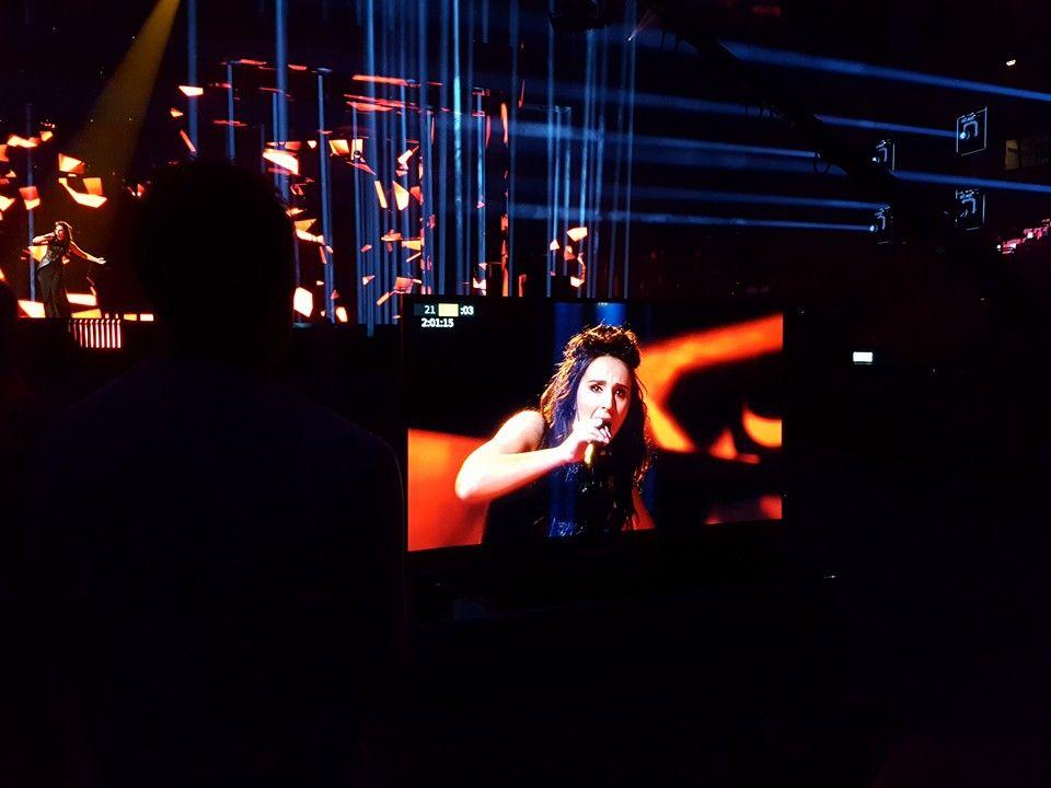 Джамала впервые исполняла песню в сопровождении 3D-графики, в костюме и с новой прической / Facebook Jamala