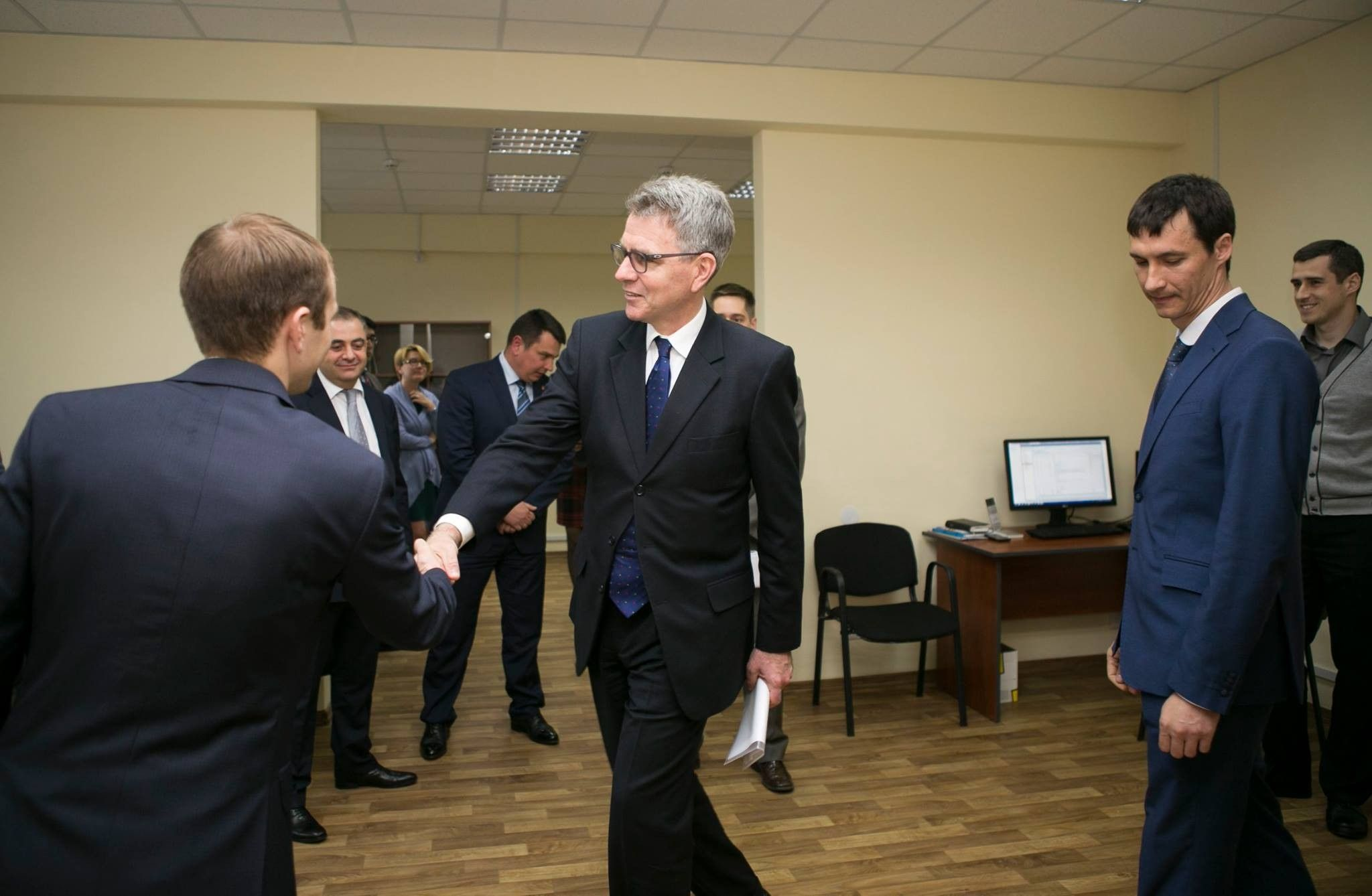 facebook.com/usdos.ukraine
