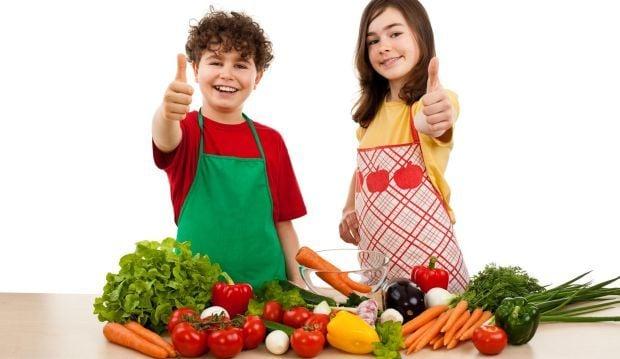 Вчені розповіли, що може привчити дітей до правильного харчування