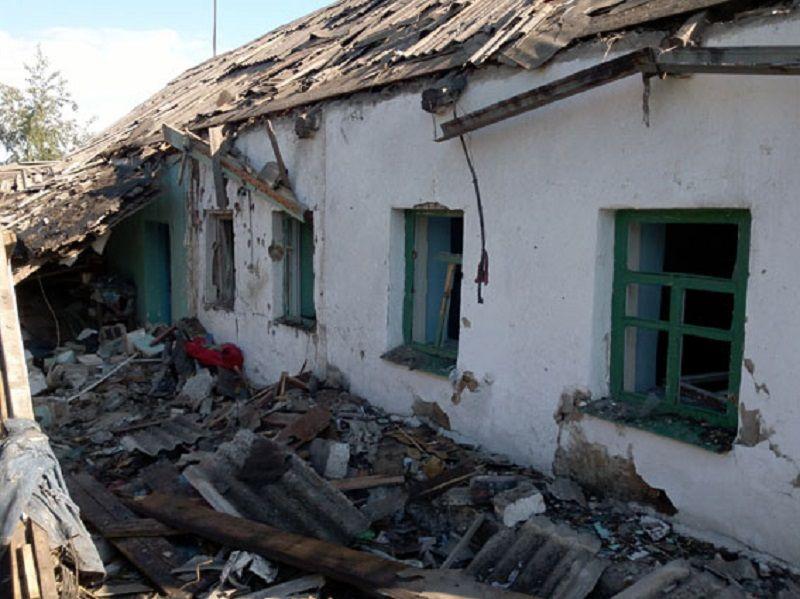 В ночь с 21 на 22 мая пророссийские боевики обстреляли из тяжелой артиллерии Авдеевку. В результате налета ранена мирная жительница. / dn.npu.gov.ua