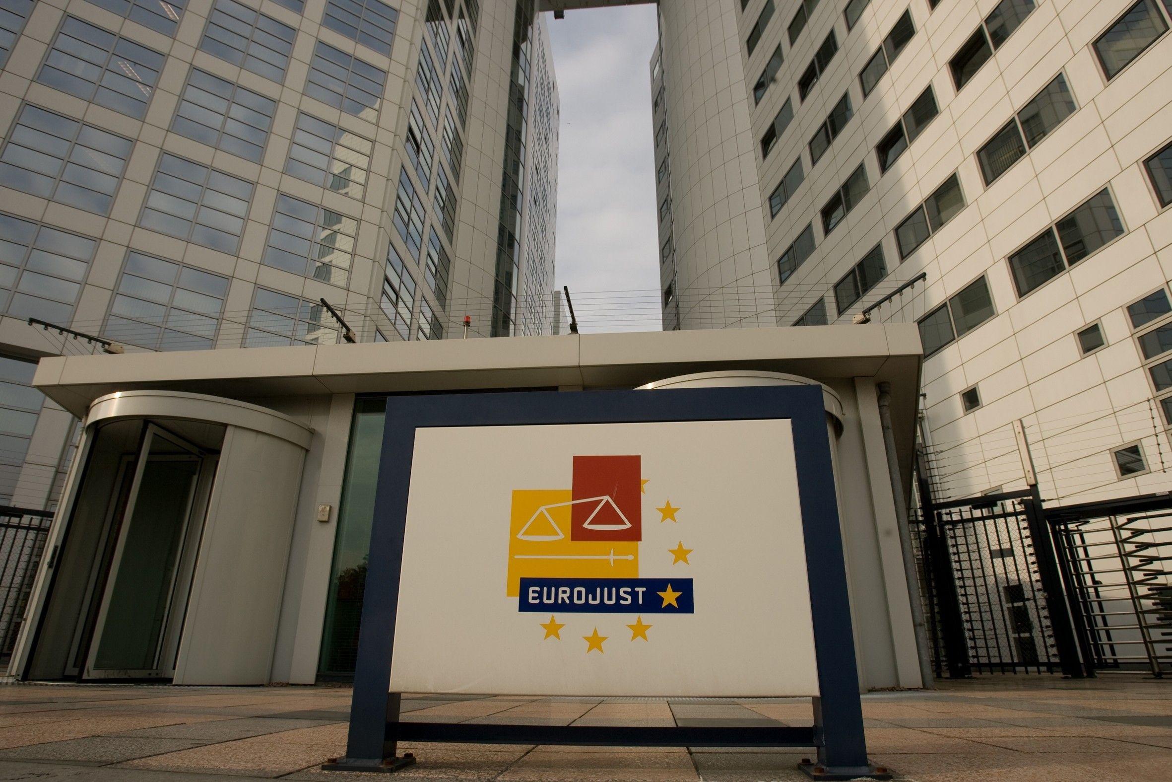 Євроюст повідомив про викриття агента розвідки і його інформатора / Фото euobserver.com