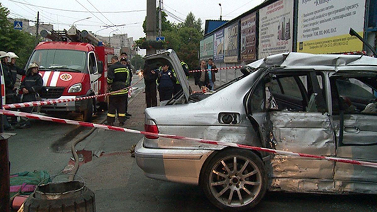 Наразі встановлюються обставини та причини ДТП / Фото vn.npu.gov.ua