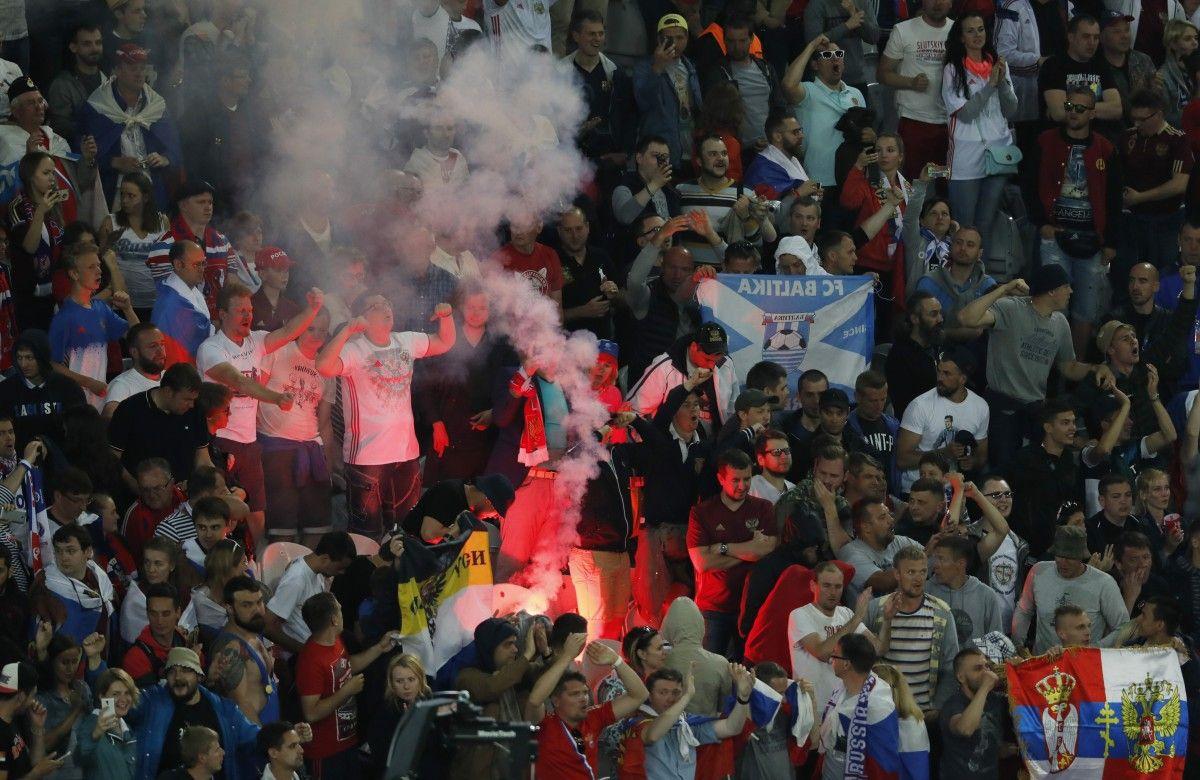 Как все предсказуемо: Фанаты России и Словакии подрались в Лилле