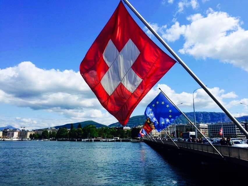 В 2000 году жители Швейцарии на референдуме высказались против вступления в ЕС / Фото climateobserver.org