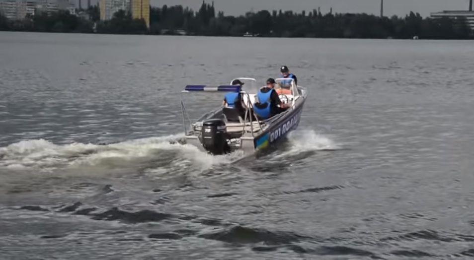 Патрульні виписали уже три штрафи за керування водним транспортом у нетверезому стані / Фото hromadske.dp.ua