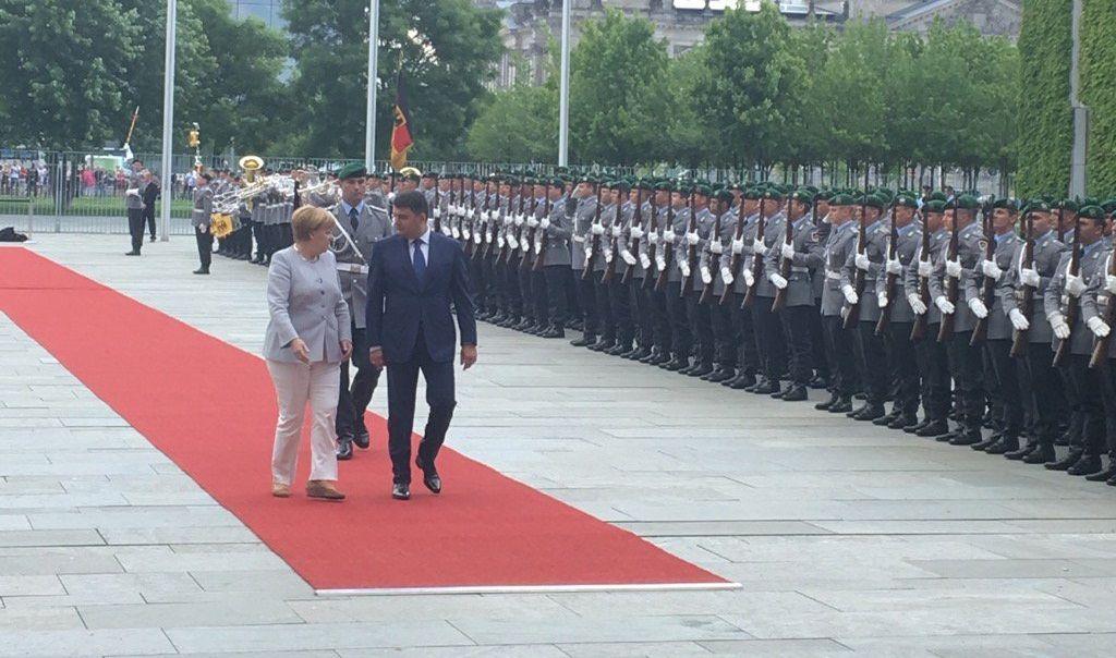 Гройсман, Меркель / twitter.com/D_Stoliarchuk