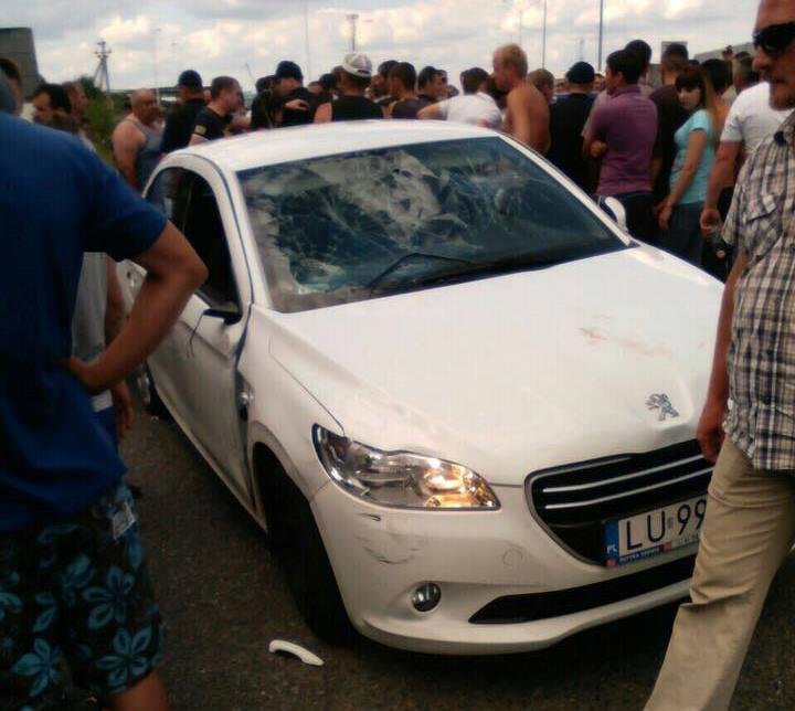На Львівщині іноземець в'їхав у натовп протестуючих  біля кордону з Польщею: троє людей травмовано