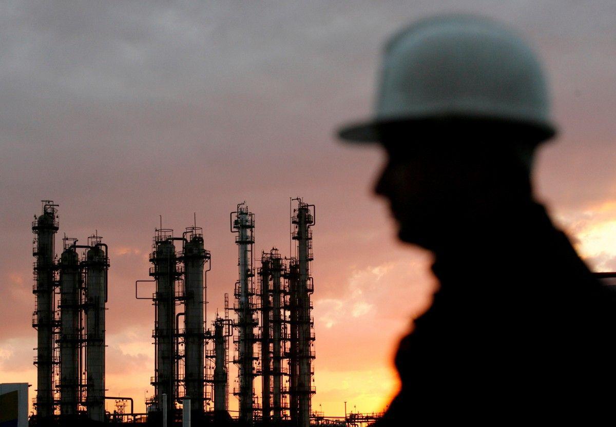 Ціни на нафту знижуються на тлі сумнівів щодо ефективності домовленостей ОПЕК