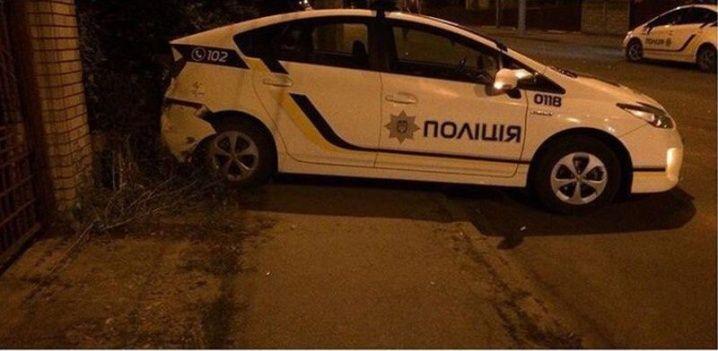 Поліція під час погоні частково перегородила дорогу, але каже, що можна було й об'їхати / promin.cv.ua