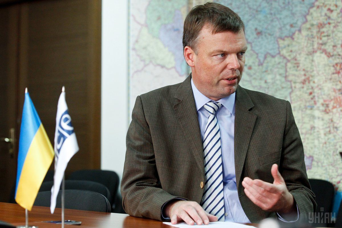 Хуг рассказал о ситуации в Петровском и Золотом / Фото УНИАН