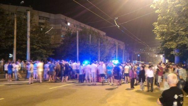 В Харькове BMW разорвала мужчину на переходе на части, толпа хотела совершить самосуд над водителем / Харьков 1