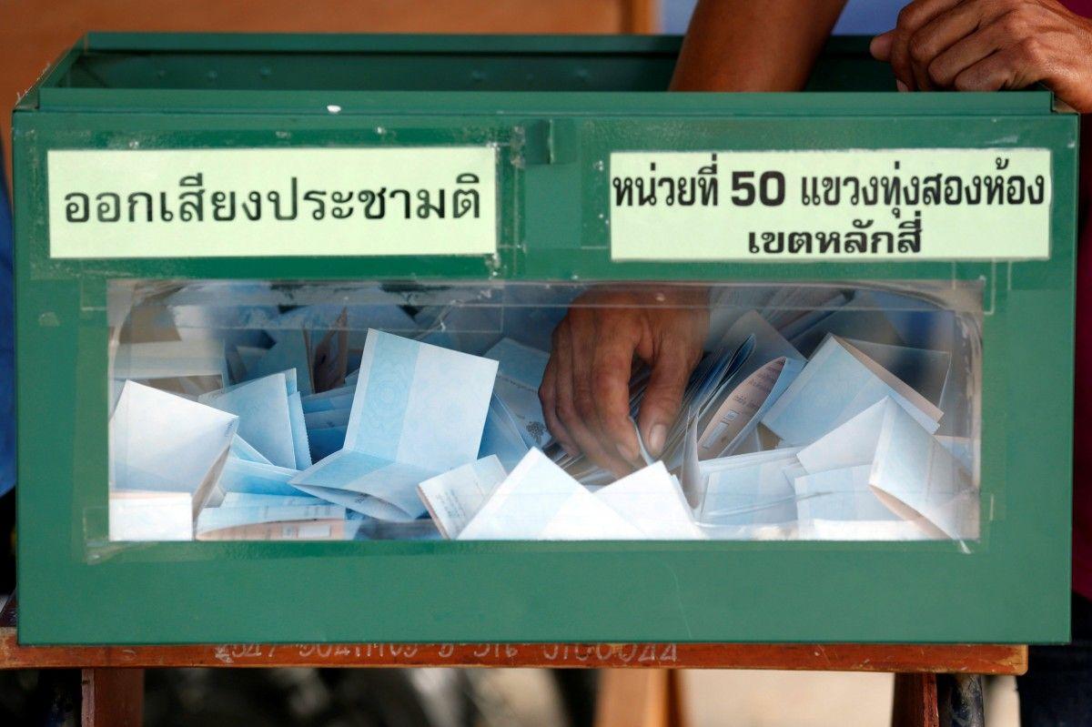 Премьер Таиланда призвал граждан проголосовать за новейшую конституцию