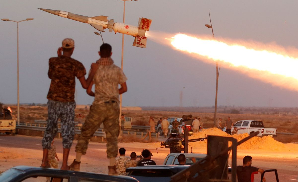 Ливийские военные освободили институт Сирта отбоевиков ДАИШ