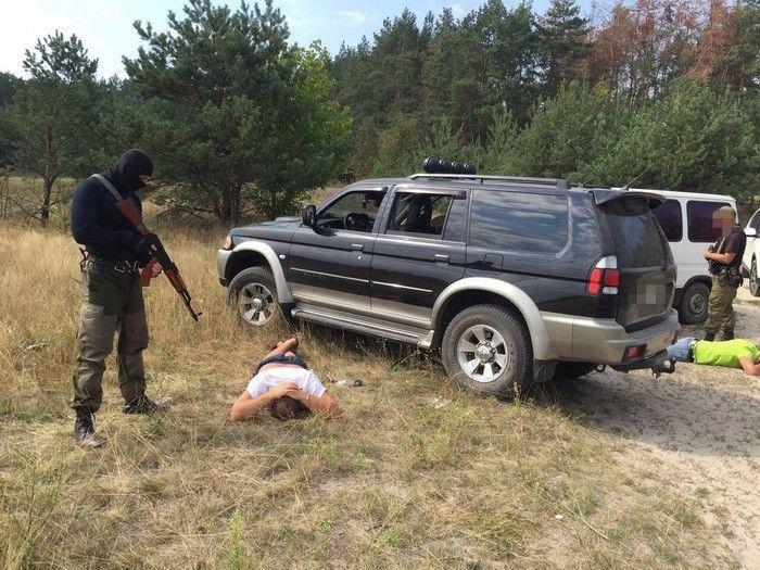 СБУ задержала «крышевателей» незаконной добычи янтаря