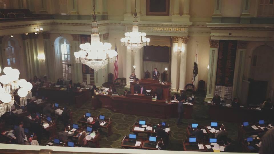 Сенат штата Калифорния принял резолюцию относительно Украинского государства вприсутствии Савченко иСаакашвили