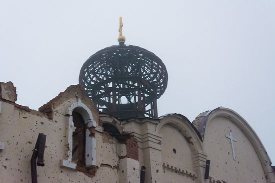 Самому Свято-Іверському монастирю теж дісталося від обстрілів / pravoslavie.ru