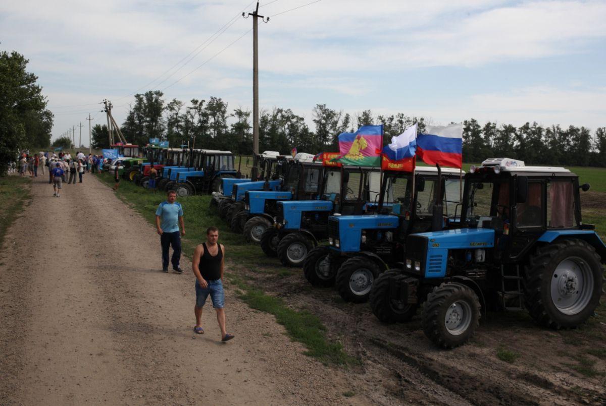 ВРостовской области задержаны кубанские фермеры иподдержавшие ихдальнобойщики