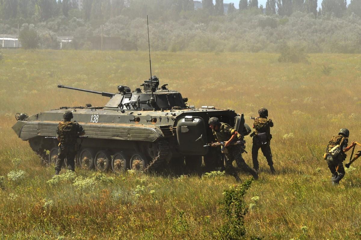 Учения украинских военных / иллюстрация УНИАН
