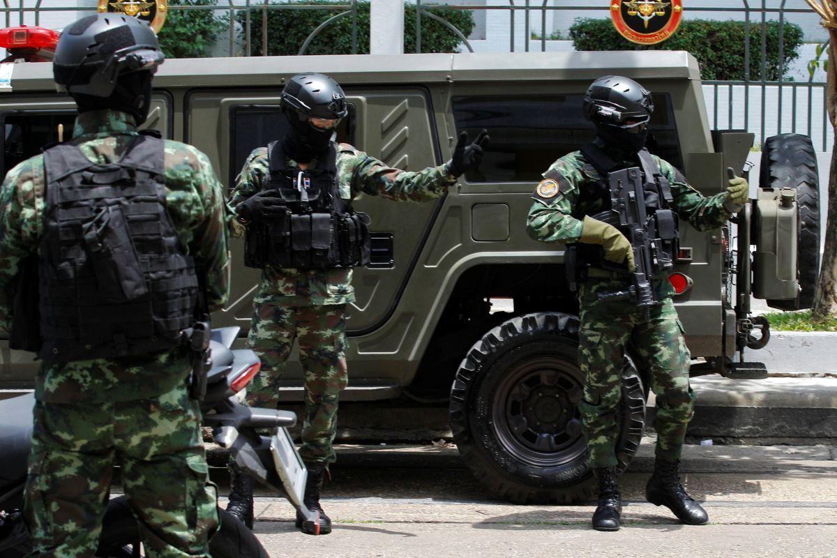 Заминированный автомобиль взлетел навоздух около отеля вТаиланде