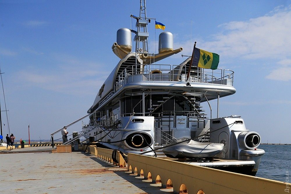 Яхта опального русского олигарха стала под флаг государства Украины