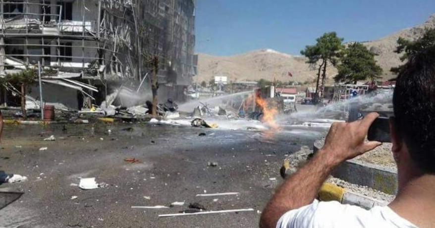 Вгороде Ван навостоке Турции прогремел сильный взрыв