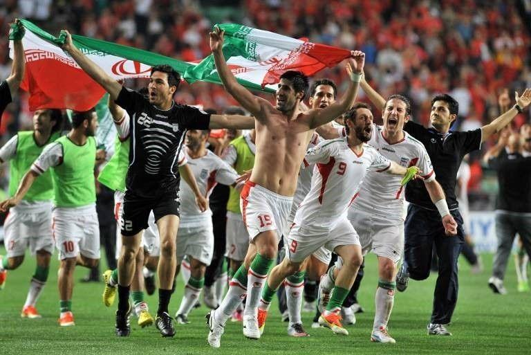 Только один раз: в Иране женщинам разрешили сходить на футбол