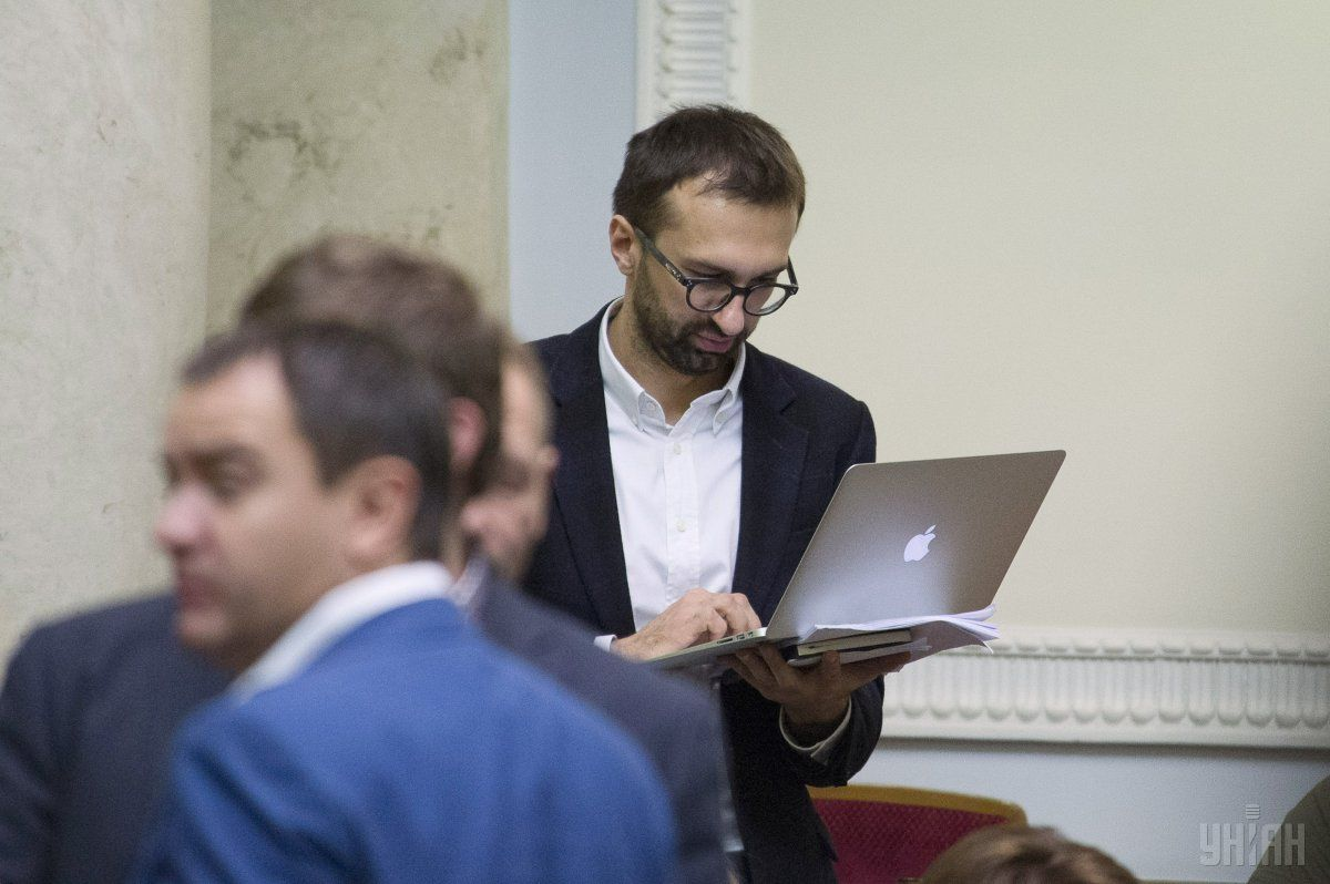 Лещенко втік від представника НАЗК / УНІАН