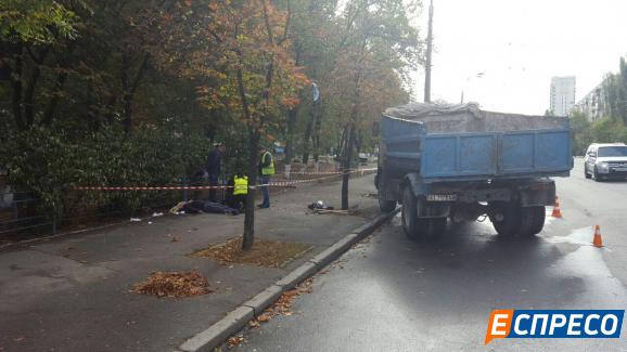 Вантажівка задавила інженера відділення НБУ / espreso.tv