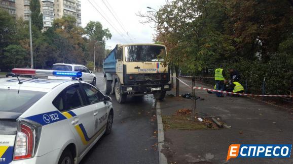 У Києві вантажівка задавила банківського інженера / espreso.tv